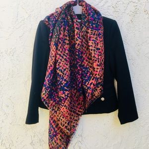 Ginnie Johansen scarf. 100% wool. Beautiful colors